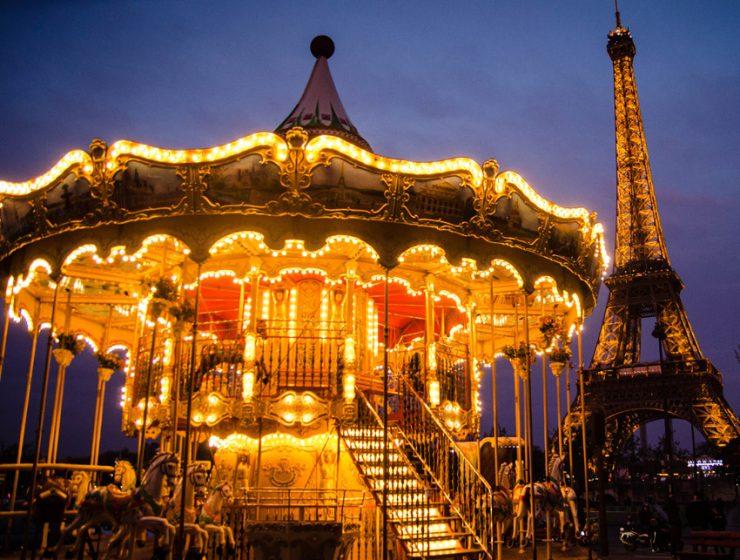 Рождественские карусели в Париже